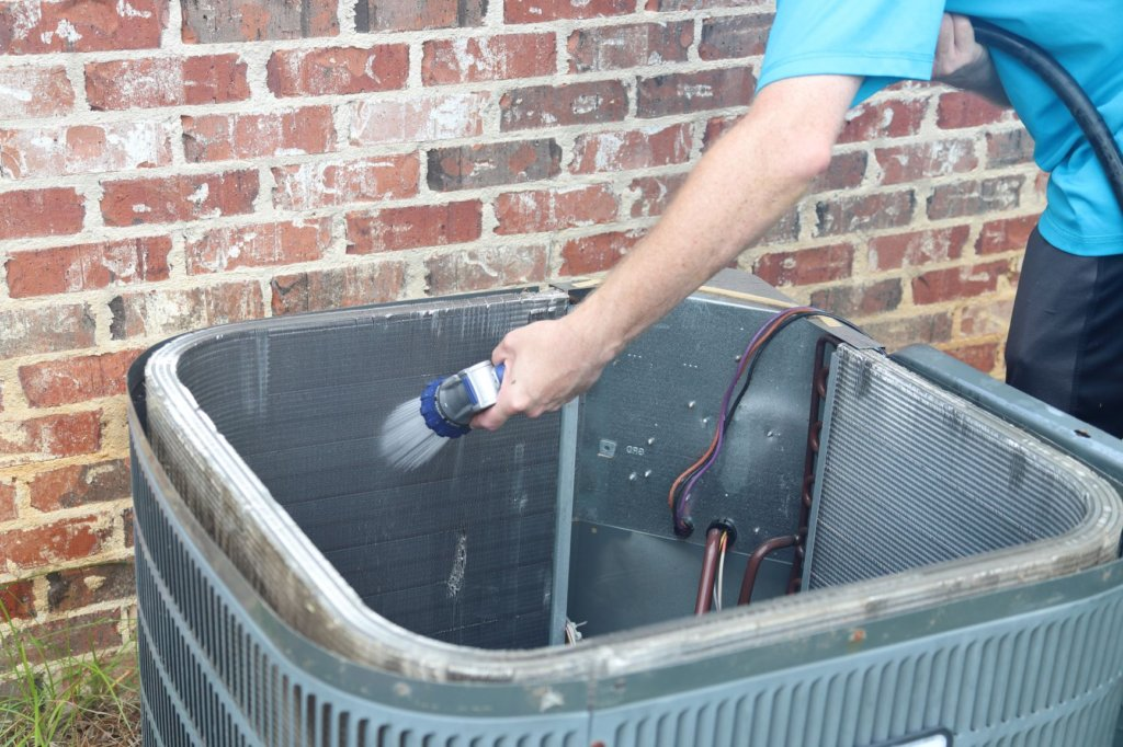 Cleaning your AC Unit